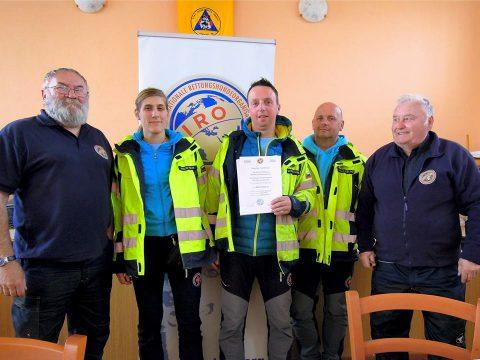 Prvo mesto ekipi vodnikov reševalnih psov iz Kranja